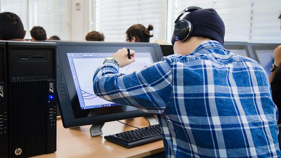 El grado oficial de diseño y desarrollo de videojuegos de ESNE cumple 10 años. Estas son sus claves